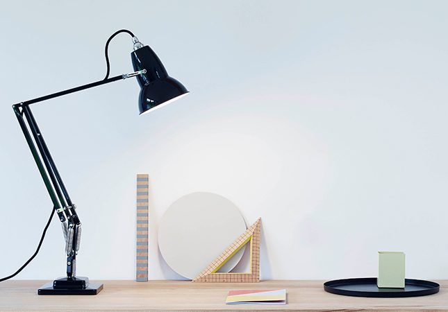 anglepoise-original-1227-desk-lamp-feature