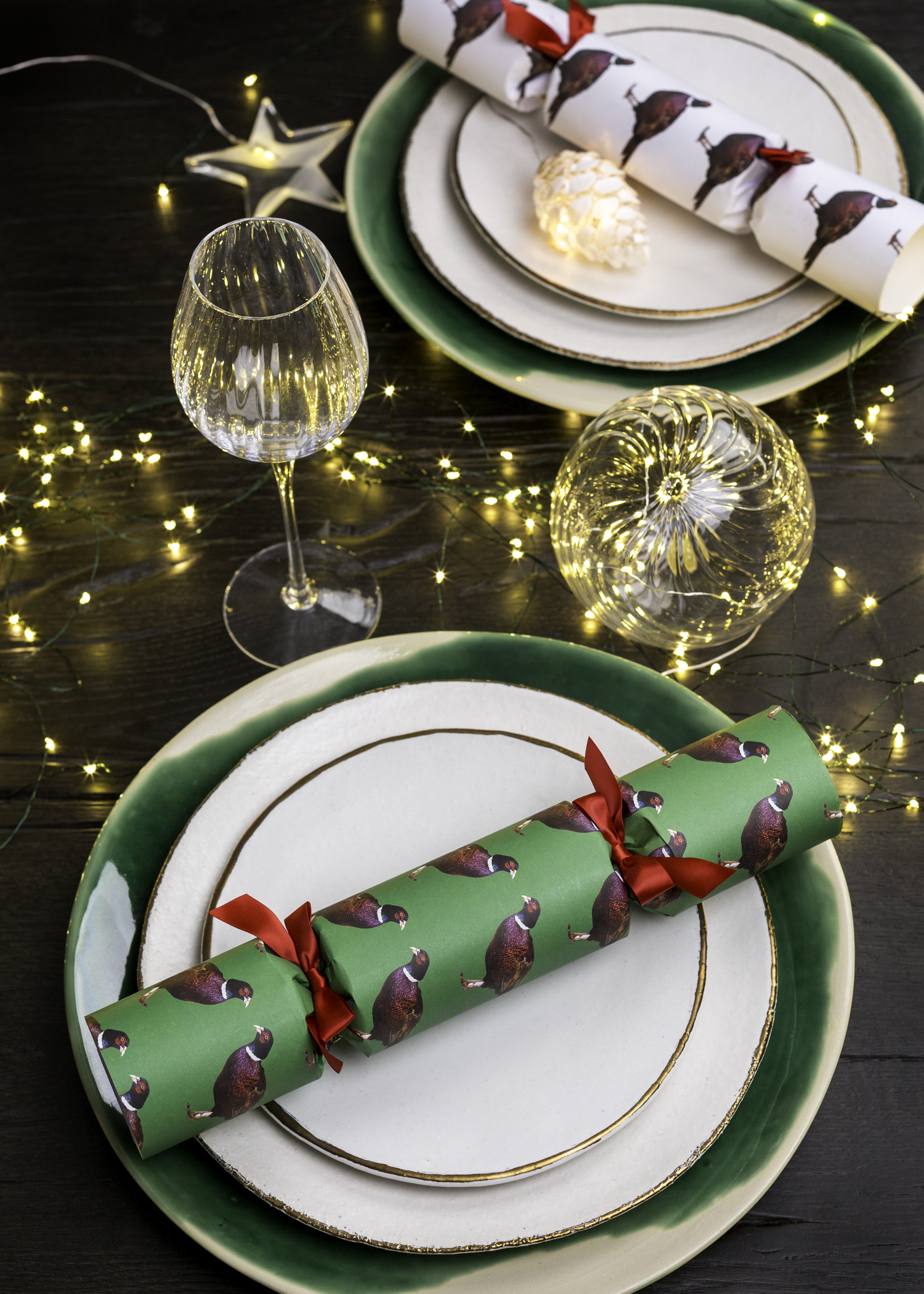 Christmas_table_ideas_crackers