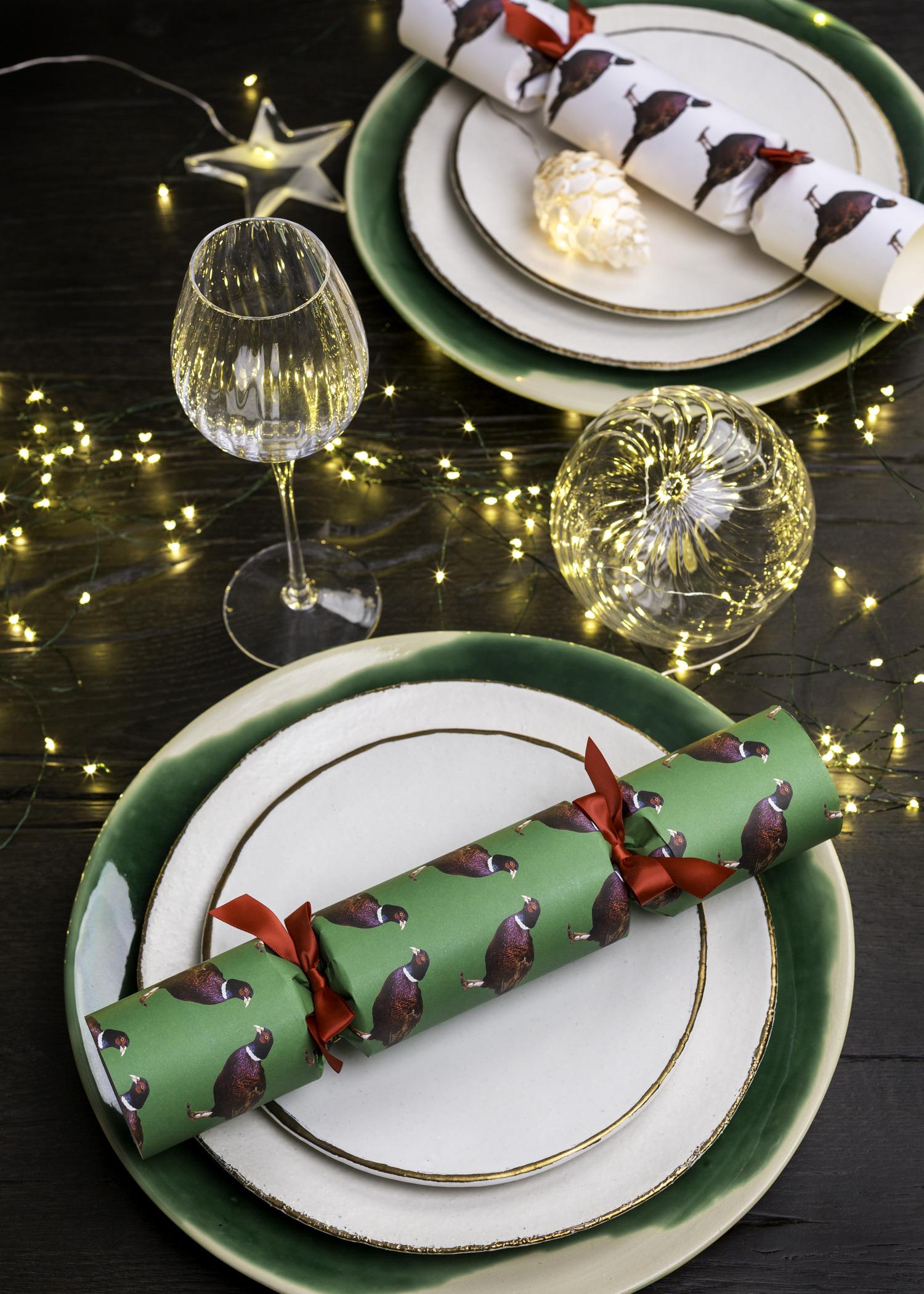 Tis The Season To Celebrate Christmas Table Setting Ideas
