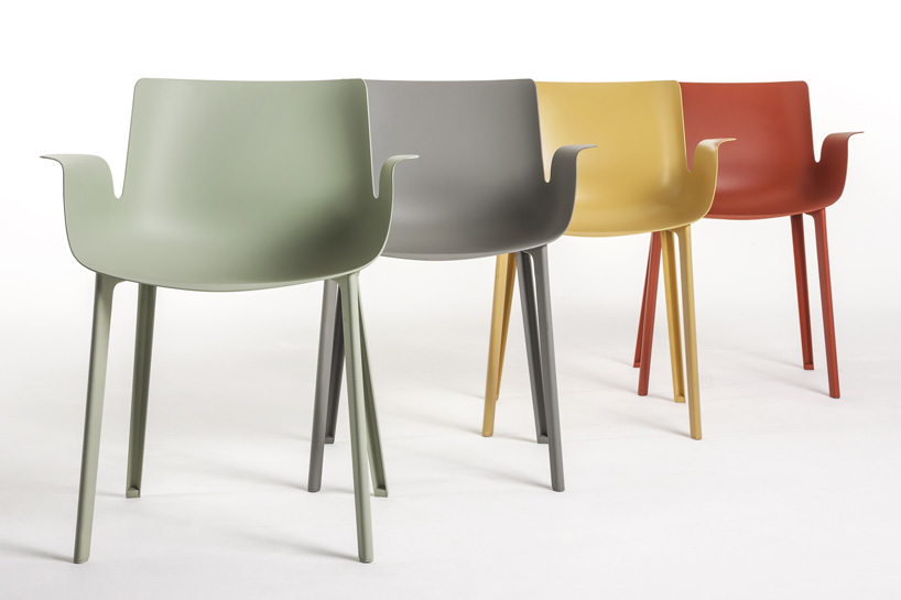 piero-lissoni-piuma-chair-kartell-designboom-002