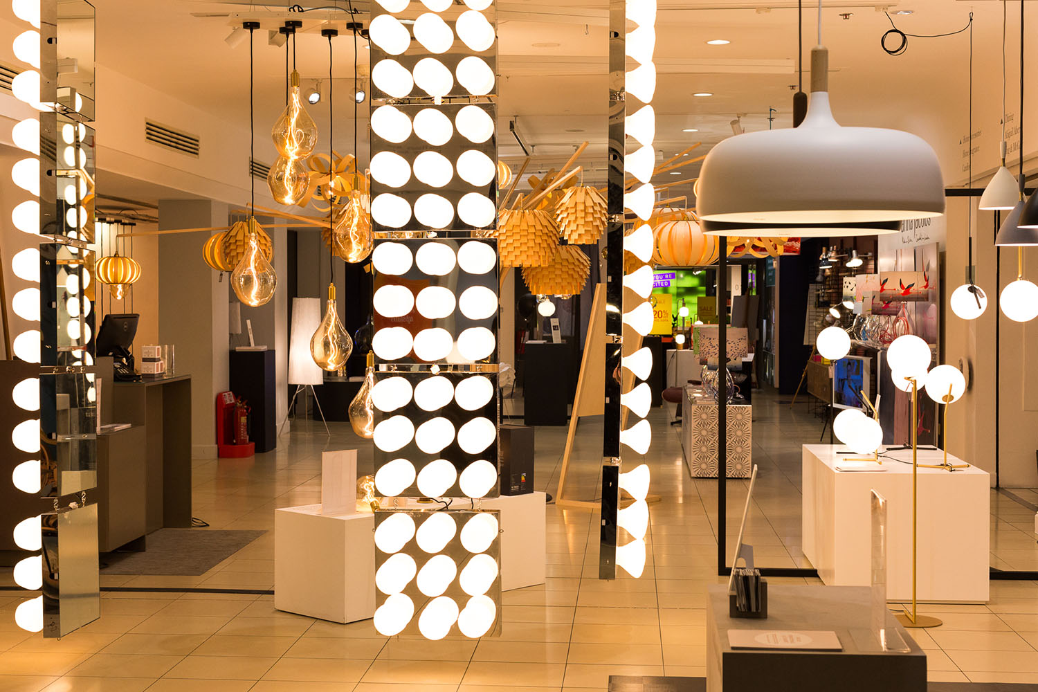 heals-festival-of-light-showroom