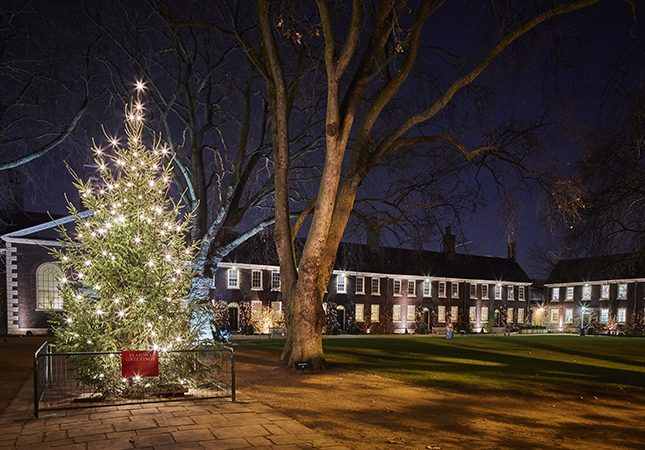 Exterior of the Geffrye Museum at Christmas.3.credit Hannah Taylor 645x450