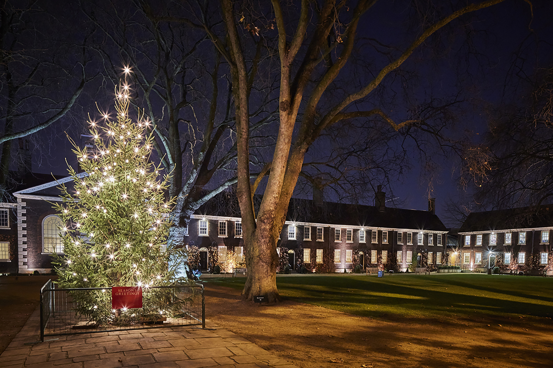 Exterior of the Geffrye Museum at Christmas.3.credit Hannah Taylor