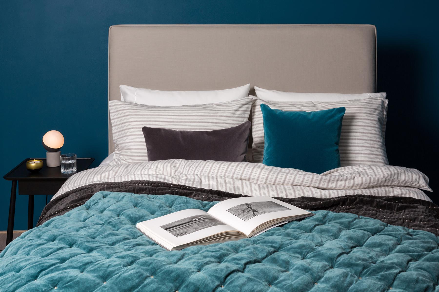 teal-bedspread-heals