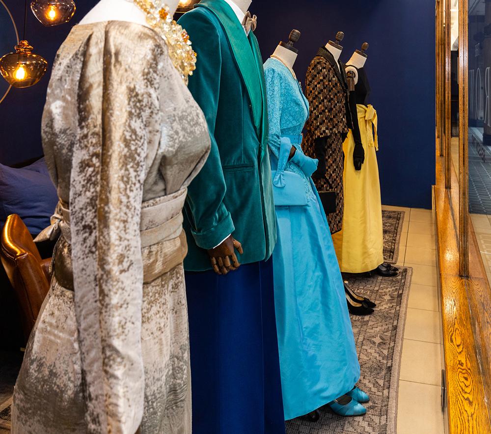the-crown-costume-exhibition-window