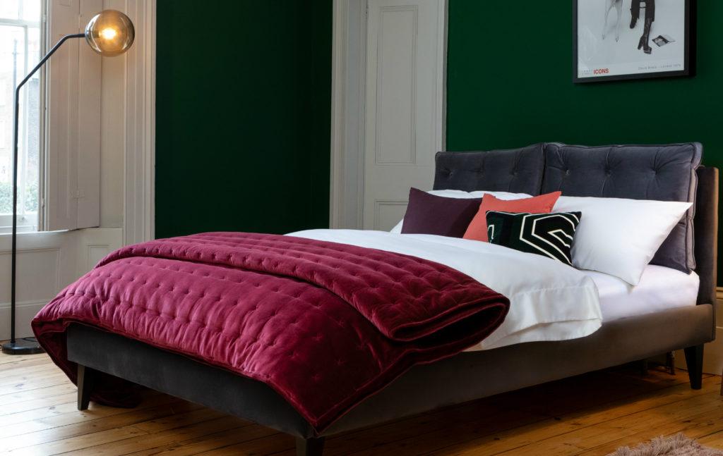 Velvet Quilt in plum