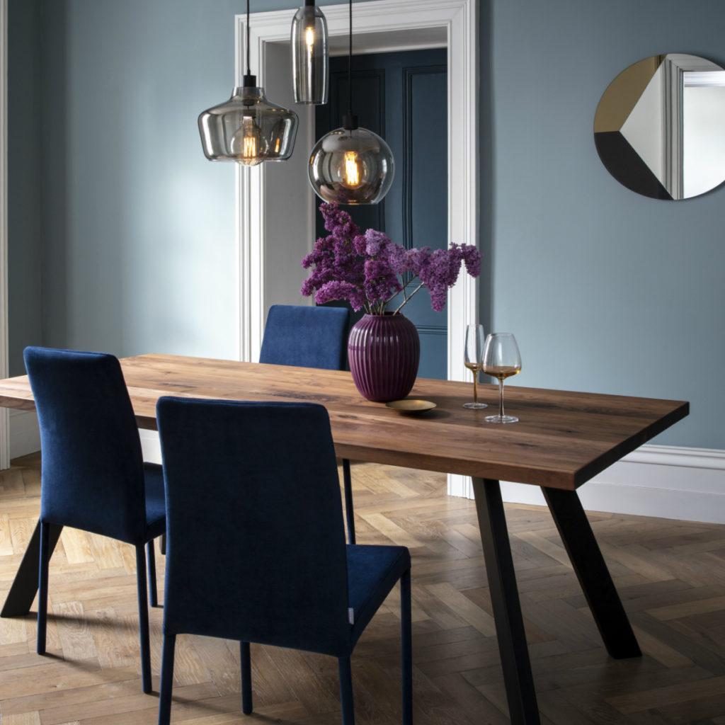 Design your own Madrid Dining Table