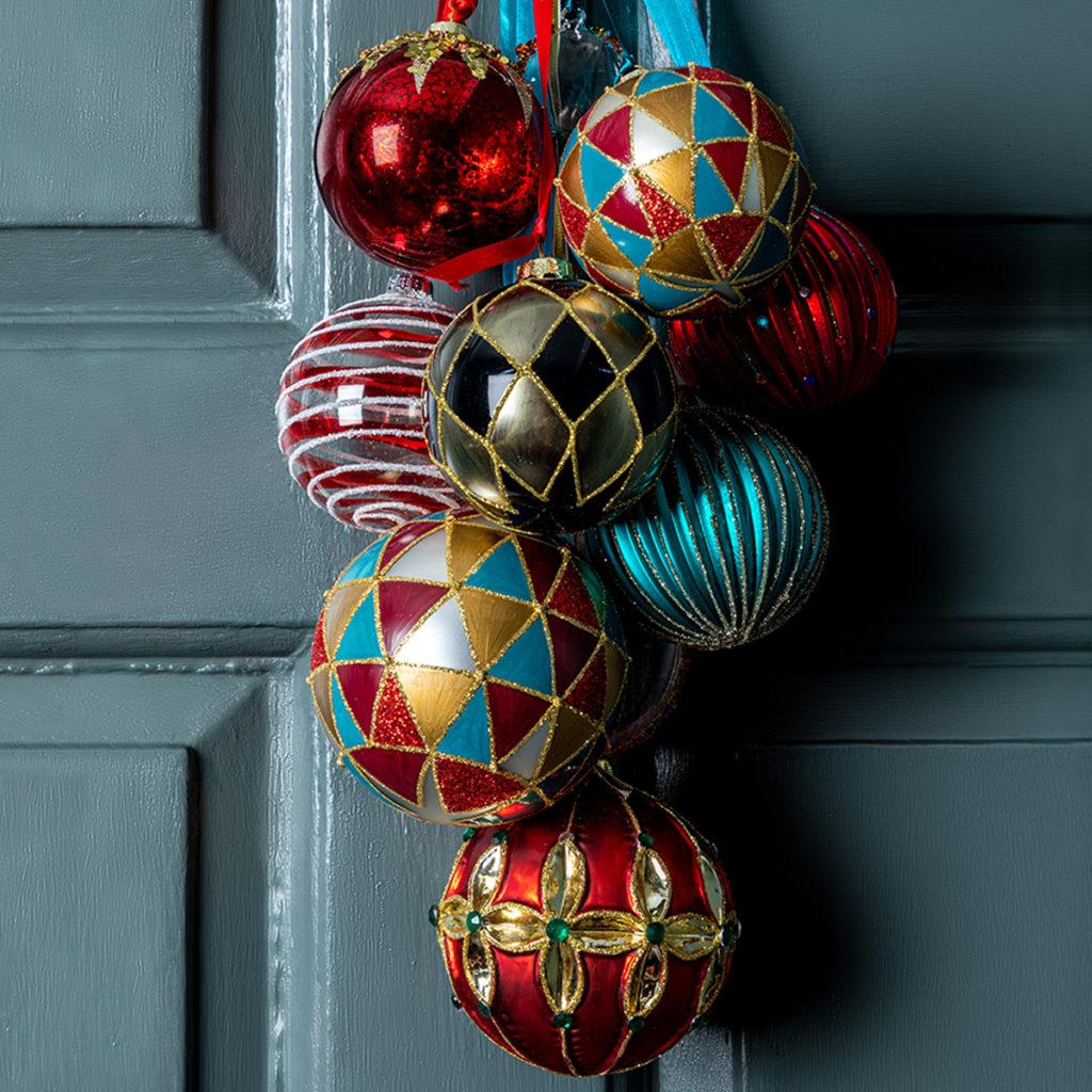 Christmas decoration ideas for alternative wreaths