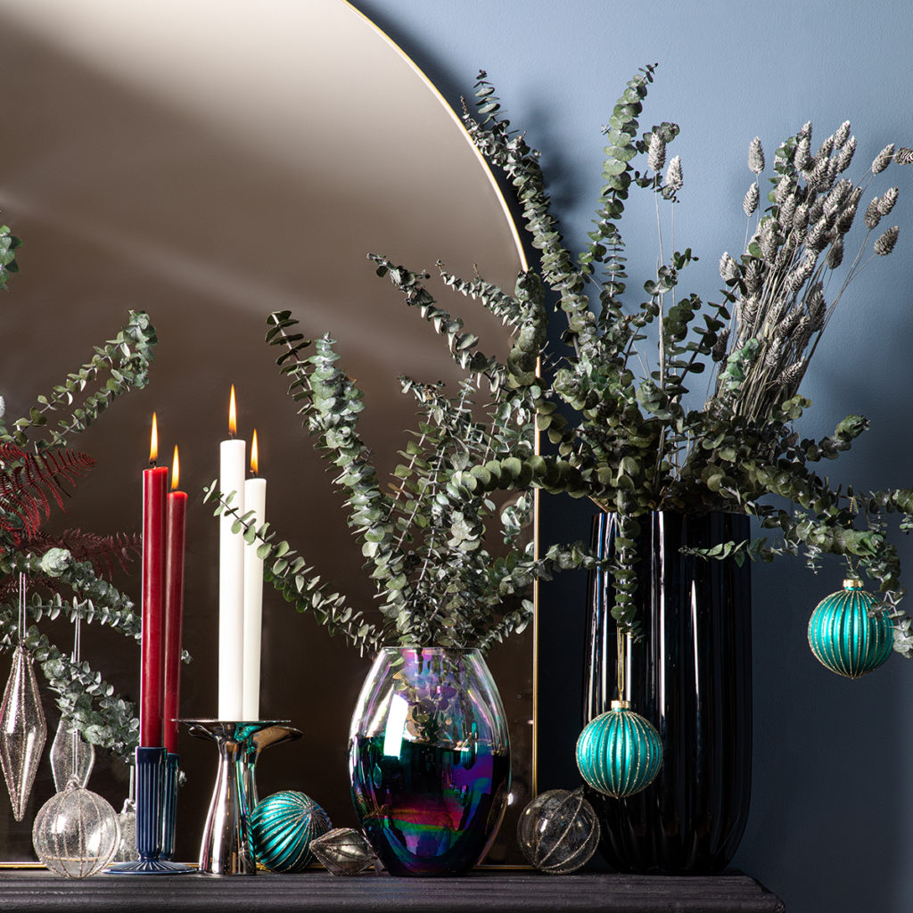 Eucalyptus Christmas decoration ideas for floral displays