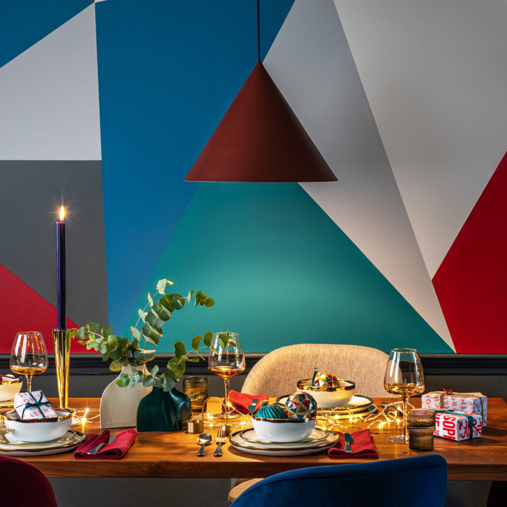 Harlequin Christmas Table Styling