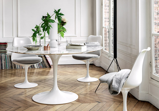 Knoll Pedestal Table features in the Heal's Furniture Pub Quiz