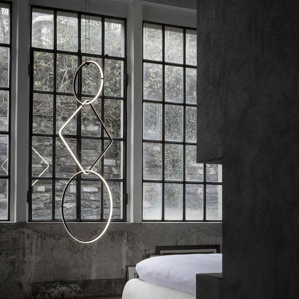 Arrangements Unusual Ceiling Light | Image courtesy of Flos