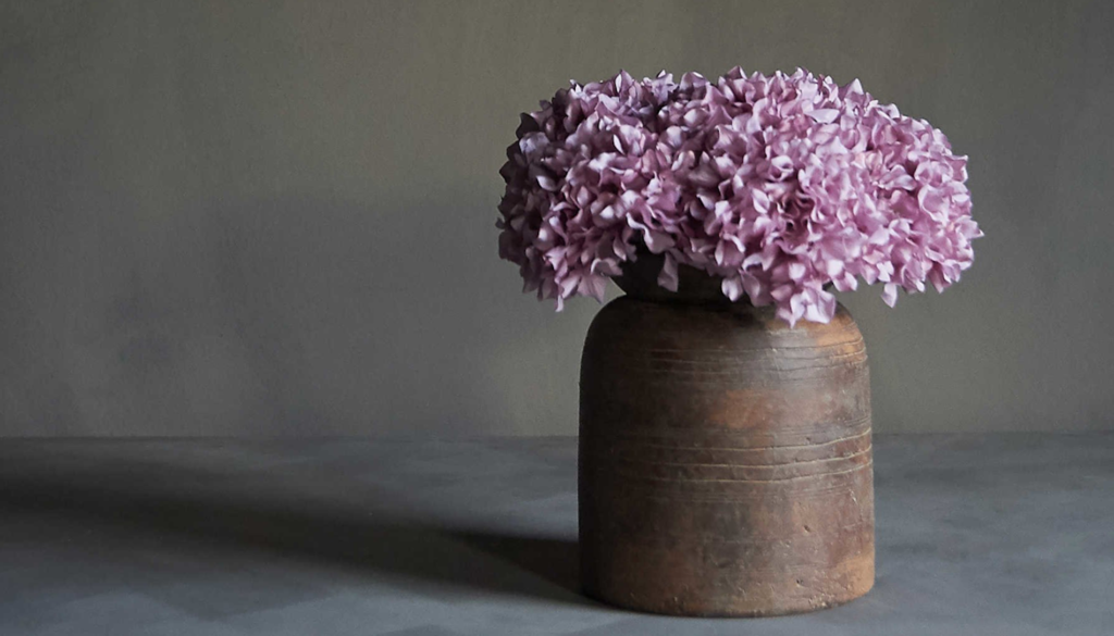 How to style artificial flowers at home