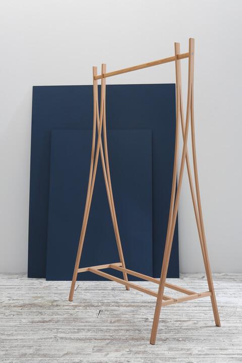 Tra-Ra clothes rail by Tomoko Azumi