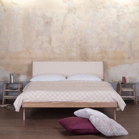 Fawn Bed White Webbing